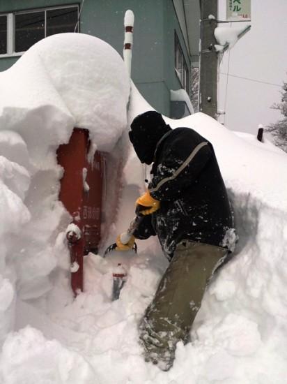 消火栓雪掘り
