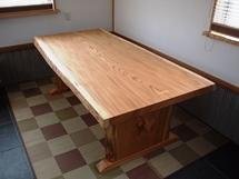 総欅造り一枚板ダイニングテーブル(くさび留め耳付き板脚タイプ)