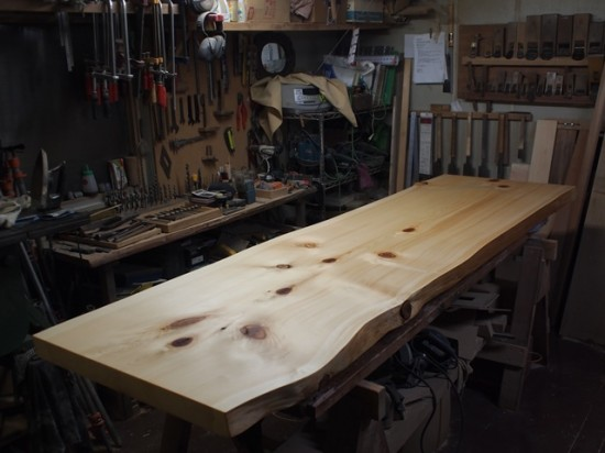 木曽檜・クス一枚板天板を仕上げました1