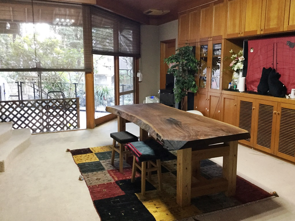 ブラックウォルナット一枚板テーブル(杉兼用脚)20160209