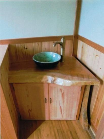 納品事例欅一枚板の手洗いカウンター2