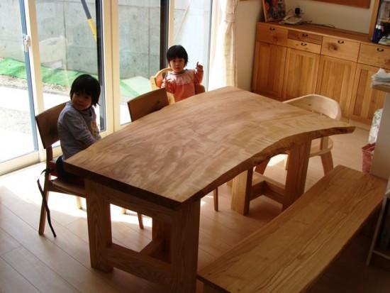 お客様の喜びの声~長野県古旗様・栃一枚板テーブル~1