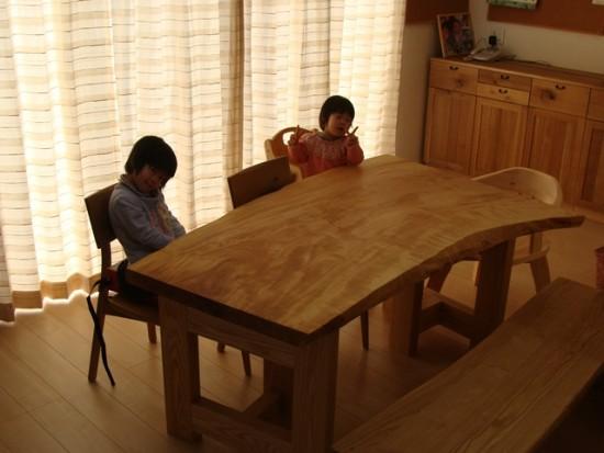 お客様の喜びの声~長野県古旗様・栃一枚板テーブル~2