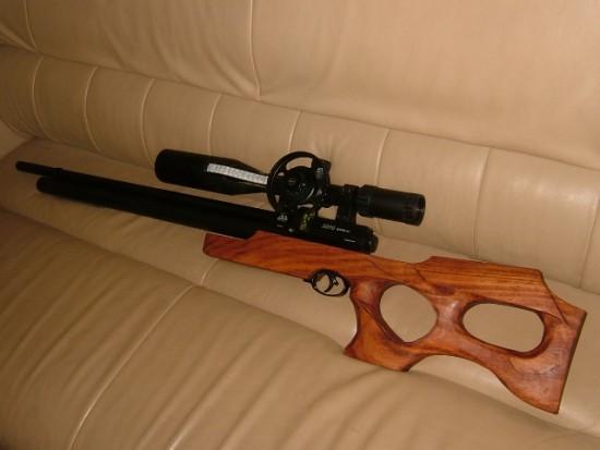 お客様の作品エアライフルの銃床~ケンポナシ一枚板ブロック~2