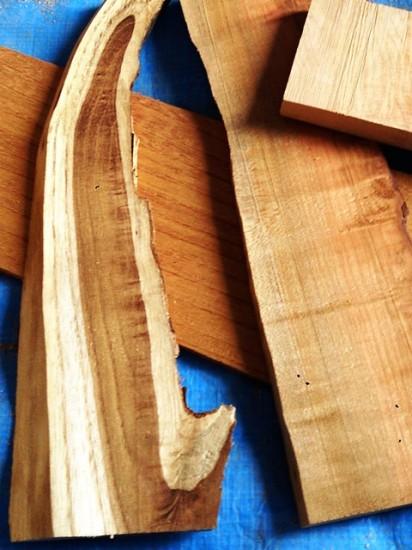 銘木端材で作った置き時計1
