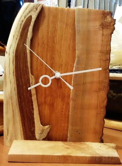 銘木端材で作った置き時計2
