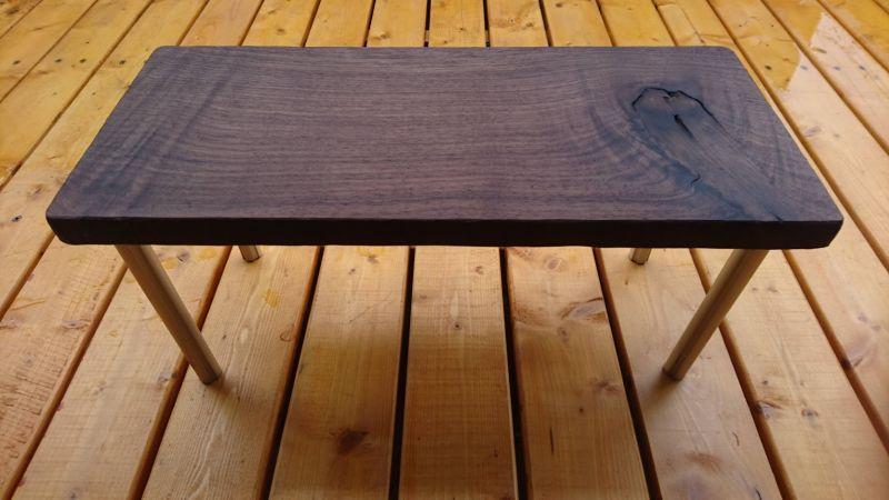 お客様のDIY作品「ソロキャンプ用の小型テーブル(ブラックウォルナット一枚板)」20210703-1