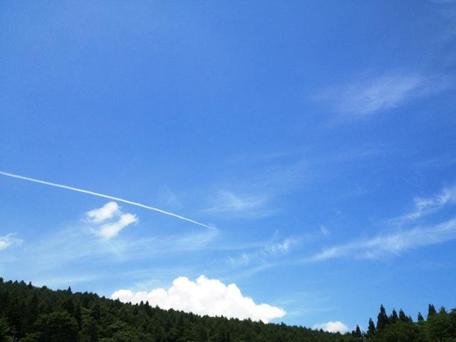 信州・黒姫。今日のお昼の空。