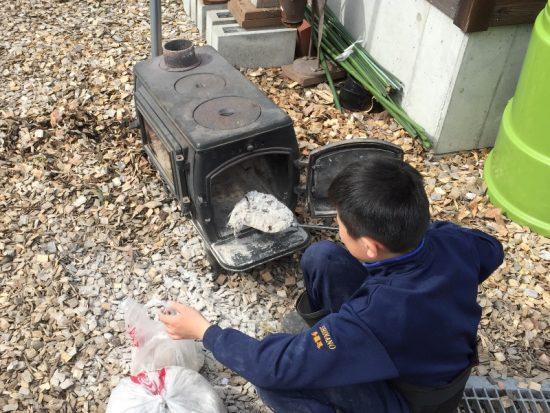 2004年冬に導入し、12年間使用してきた薪ストーブを撤去20170503