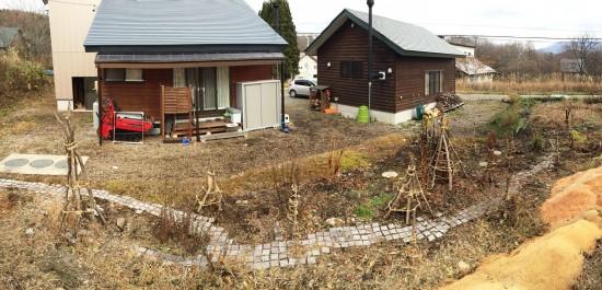 我が家の風景20141119庭木の冬囲い-1