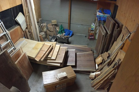 大地震後の作業場の様子20141122夜-2