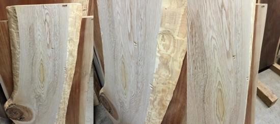 大地震後の作業場の様子20141122夜杉一枚板破損!