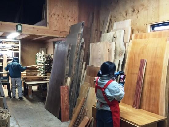 今日の作業場20150119~紫檀端材の写真撮影・イチイ一枚板のプレナー加工~