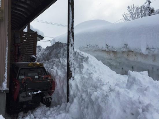 今朝の風景20150220~1晩で60cm超の積雪。観測史上最高の積雪量を数日であっさり更新~