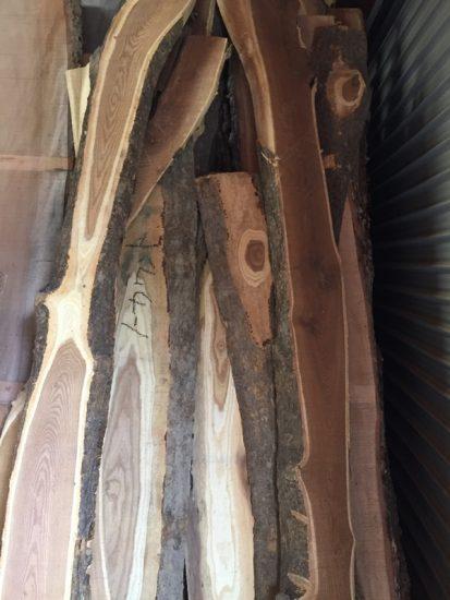 エンジュ良杢一枚板若干量入荷!20170902