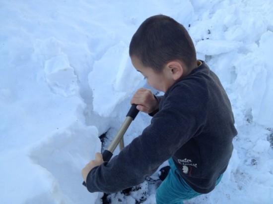除雪機の目印用の竹棒立て2