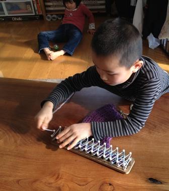息子がマフラーを編んでくれました(*^^*)