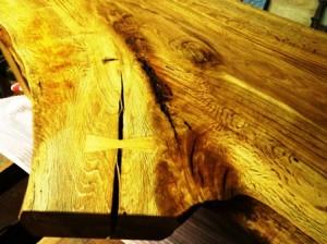 楢一枚板座卓製作風景4