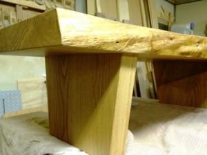 楢一枚板座卓製作風景5