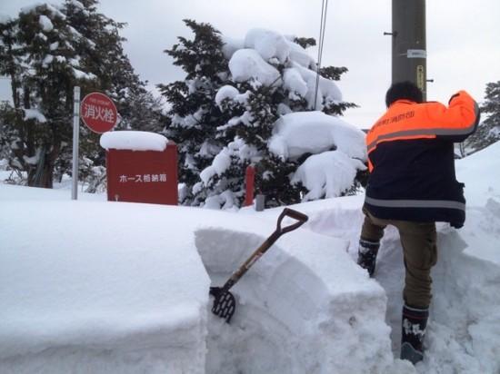 消火栓雪掘り20130223