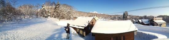 我が家の畑の雪山より20130226-3