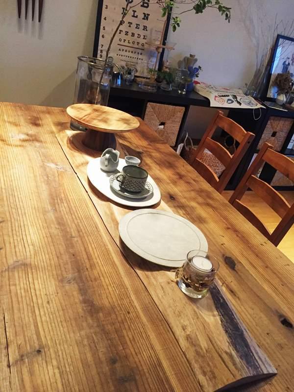 お客様の作品「ダイニングテーブル上のディスプレイスペース」~欅一枚板~