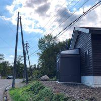 倉庫増設工事完成、電線移設工事・暗渠増設工事進行中20181115