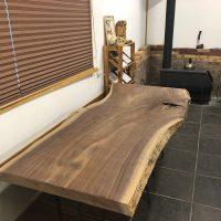 ブラックウォルナット一枚板原木素材・杉兼用脚を出荷20190130