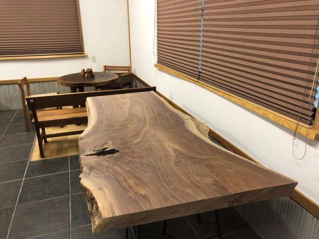ブラックウォルナット一枚板原木素材・杉兼用脚を出荷20190130-1