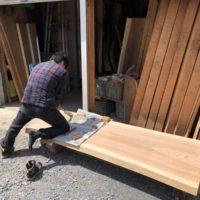 ゴールデンウィーク中のお客様~杉テーブル一枚板素材のDIY~20190503