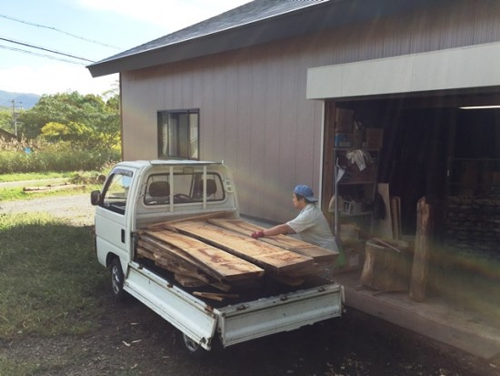 今日の作業場20150930~欅一枚板を作業場へ搬入~