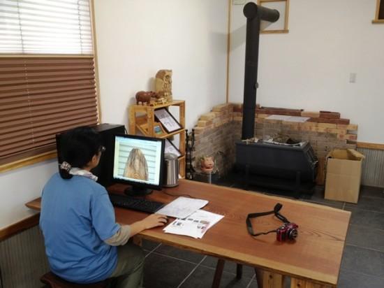 今日の作業~欅大型看板材写真撮影・画像加工、栃丸太皮剥き・野積み~5