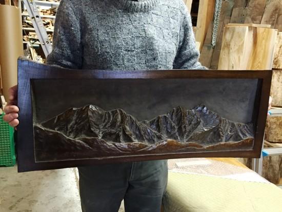 朴(ホオ)一枚板彫刻~爺ヶ岳 鹿島槍ヶ岳~1