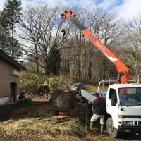 今日の作業場20151215~欅巨木丸太切株の移動と大型材3枚の出荷~