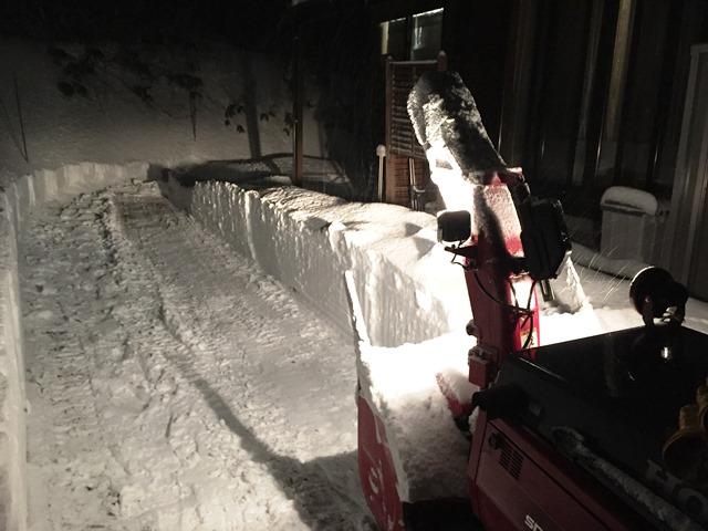 今季初の除雪機フル稼働20160120