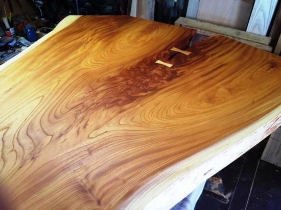 総欅造り二股一枚板座卓2