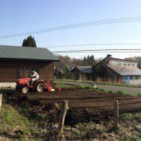 我が家の畑の土起こし20160426
