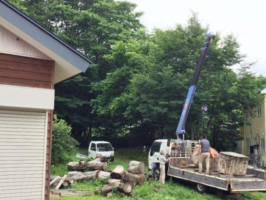 欅巨木丸太切株搬出作業。ついに製材20160723