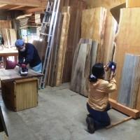 今日の作業場~神代タモ加工・写真撮影と欅巨大一枚板天板製作20140509~
