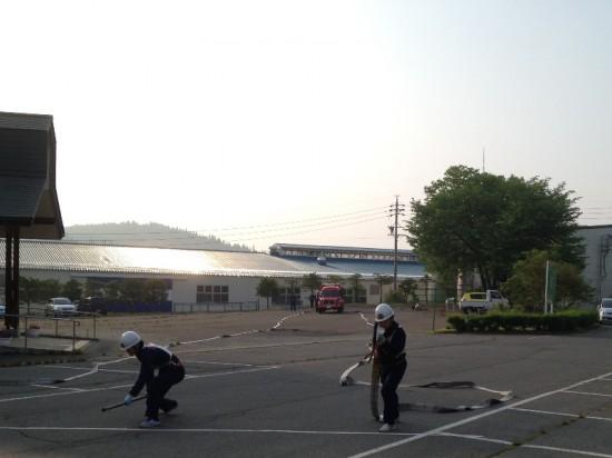 日の出とともに操法大会早朝練習へ20140604-2