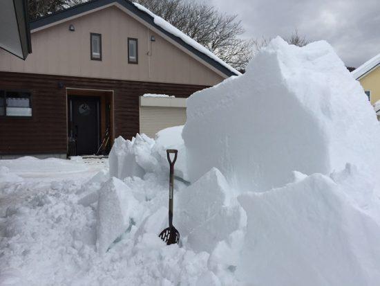 事務所屋根の雪がようやく落ちました!20170127-3