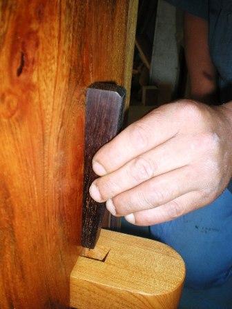 欅一枚板ダイニングテーブル組立4