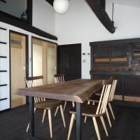 お客様の作品 ブラックウォルナット一枚板テーブルと欅(ケヤキ)一枚板トイレカウンター~滋賀県てらい様~