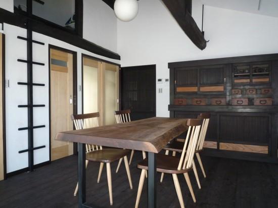 ブラックウォルナット一枚板テーブル(古民家別荘)