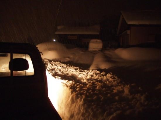 岐阜銘木市場雪の壁2