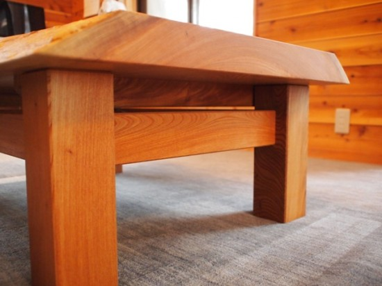 欅一枚板玉杢盤座卓10