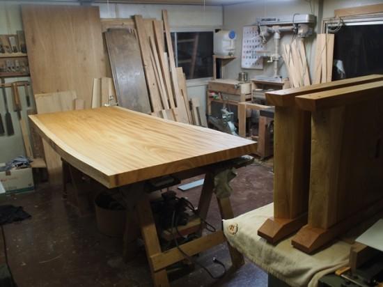 欅一枚板ダイニングテーブル完成(くさび留め耳付き板脚タイプ)8