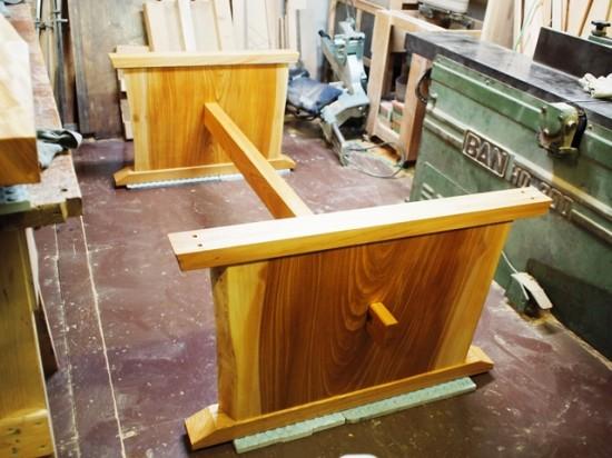 欅一枚板ダイニングテーブル完成(くさび留め耳付き板脚タイプ)4