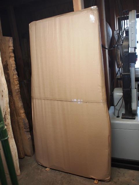 欅広幅一枚板素材梱包済