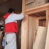 倉庫の増床工事が始まりました